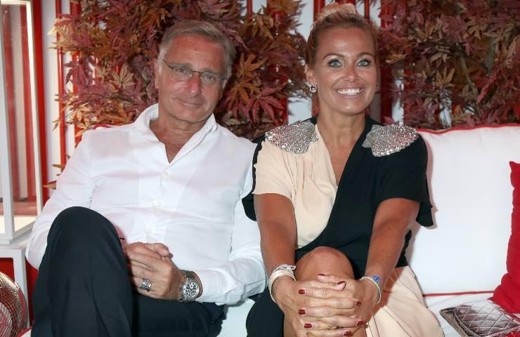 Paolo Bonolis, aria di crisi con la moglie Sonia?