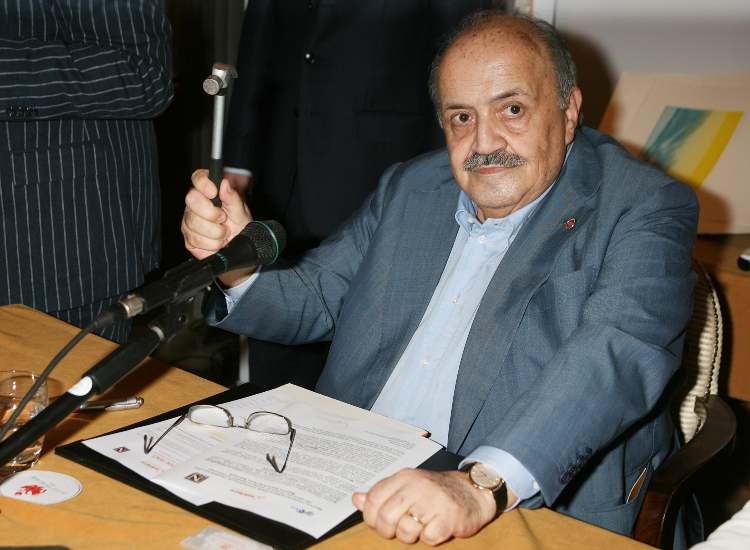 Maurizio Costanzo scrivania