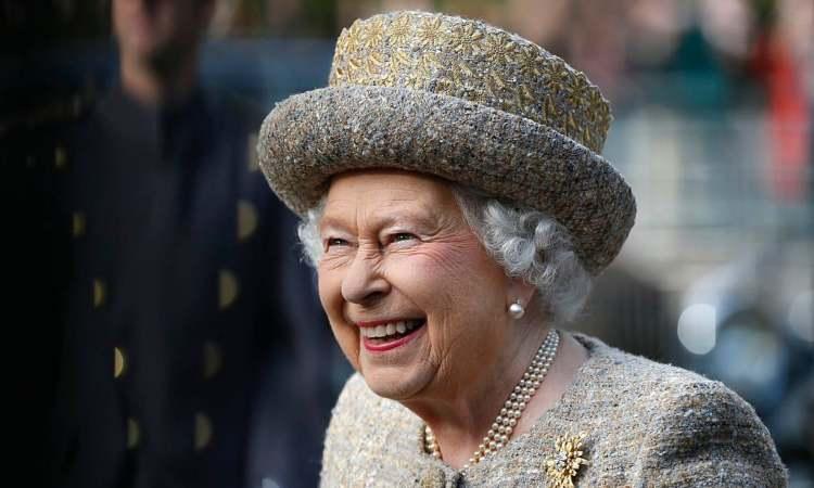 Regina Elisabetta, il gesto solidale con un suo collaboratore: che emozione