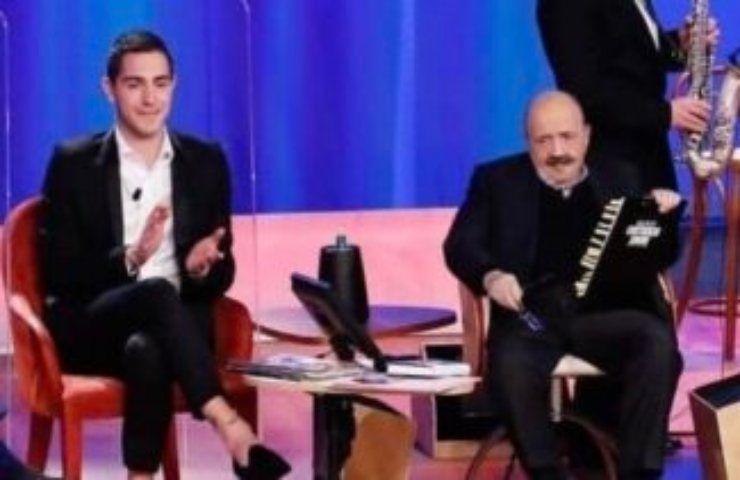 """Maurizio Costanzo Show, Tommaso Zorzi si inchina all'influencer: """"La migliore..."""""""