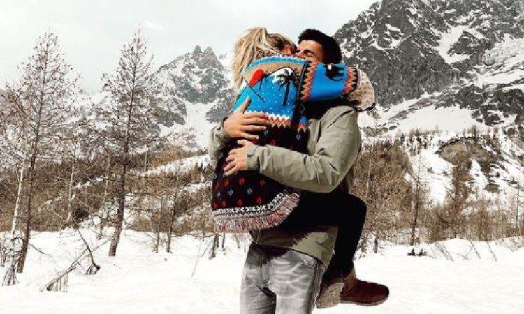 Morata e Campello abbraccio