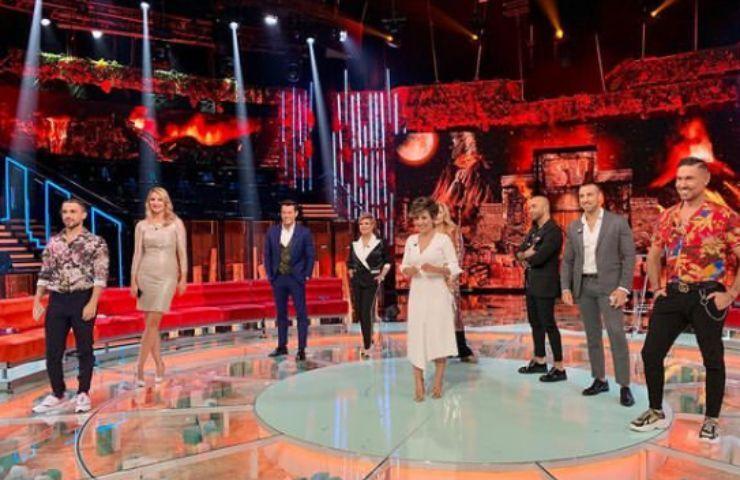 Supervivientes, Valeria Marini fa infuriare una concorrente: reazione incontrollabile