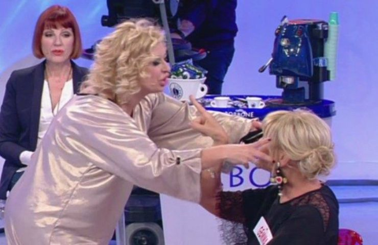 Tina Cipollari, addio definitivo a Mediaset? La verità