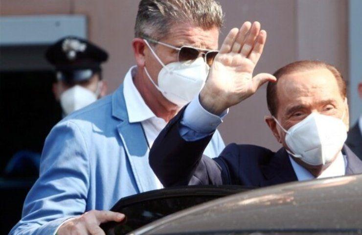 Berlusconi dimesso dall'ospedale