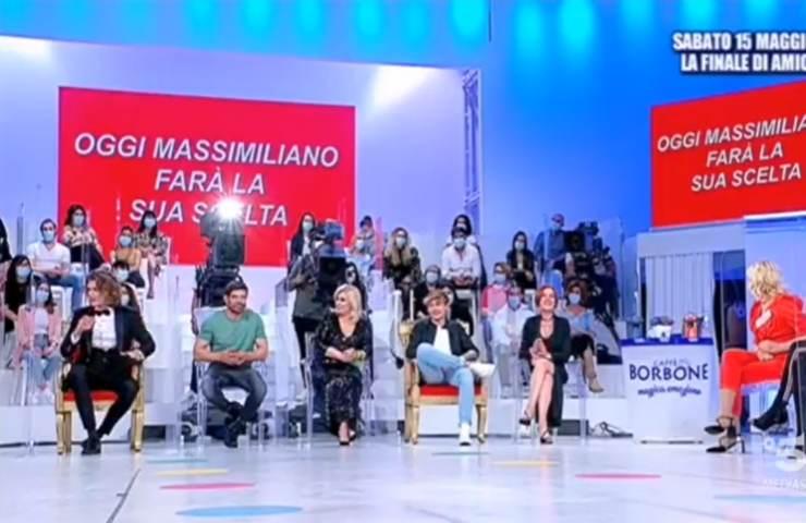 U&D, Maria De Filippi redarguisce la corteggiatrice: un accesissimo confronto