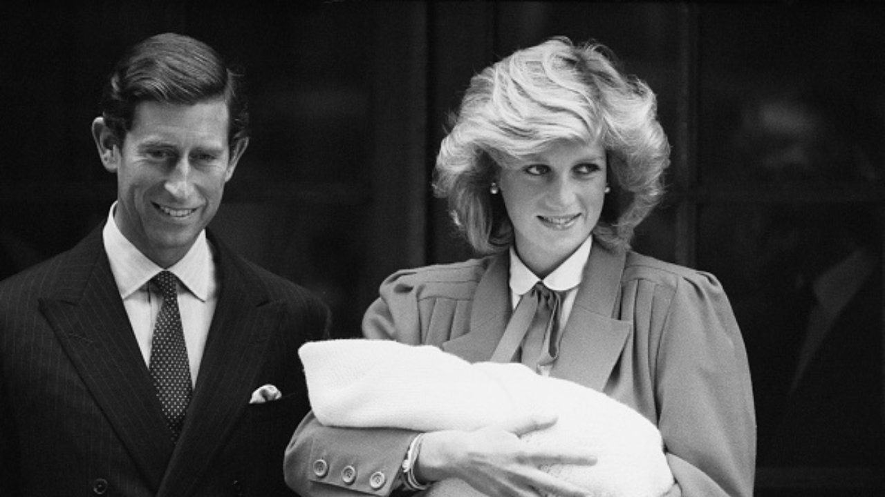 Royal Family, la statua di Lady Diana vittima di atti vandalici