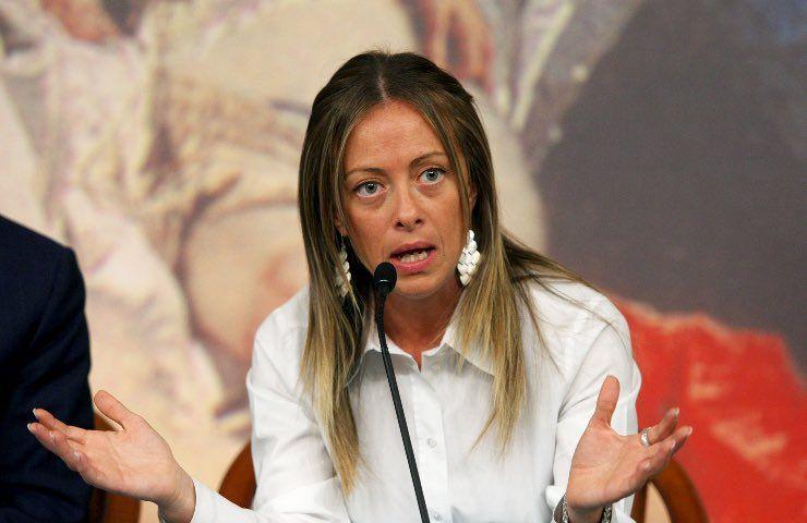 Giorgia Meloni stoccata Domenica In accusa