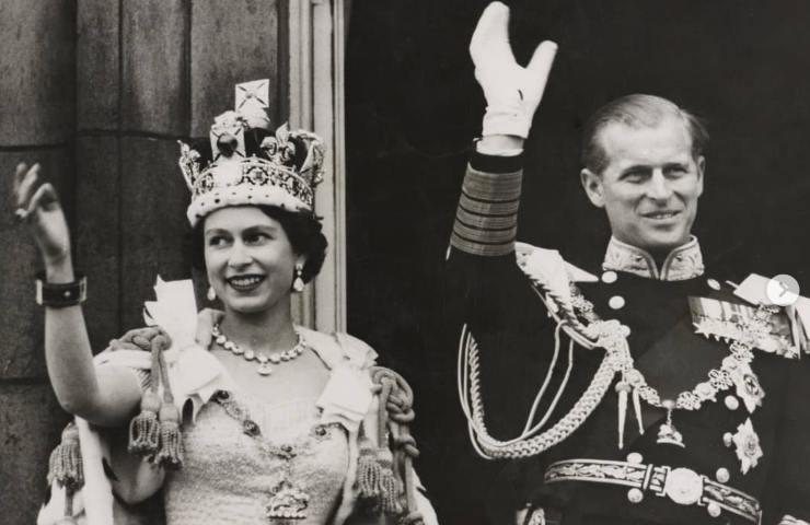 Royal Family la Regina Elisabetta con Filippo