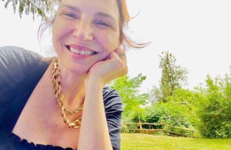 Maria Pia Calzone si mostra in tutta la sua bellezza