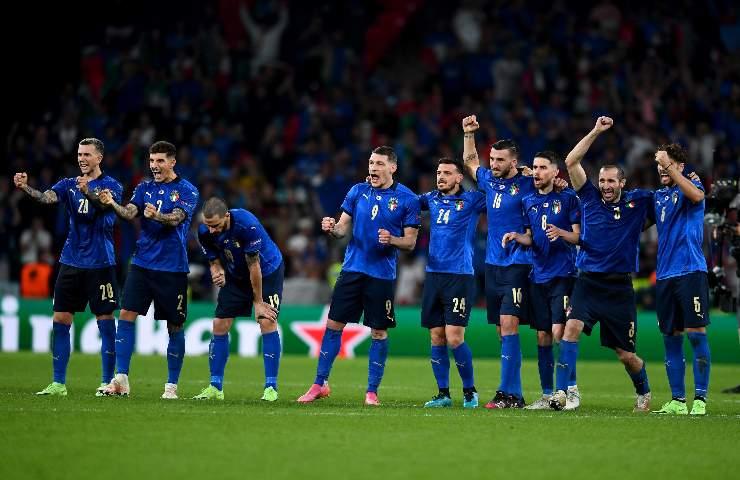 Bernardeschi durante i rigori con l'Italia