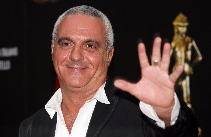 Giorgio Panariello inchino commovente video
