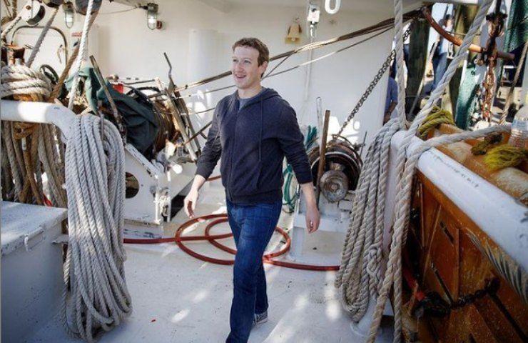 mark zuckerberg cammina